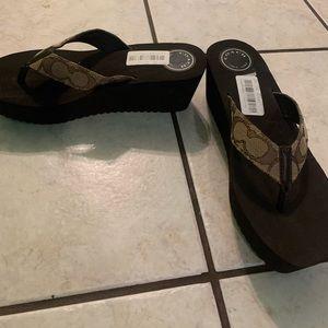 New ! Coach Sandals size 8.5B